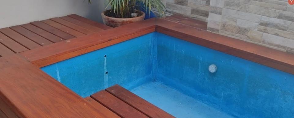 Borracha liquida e piscina